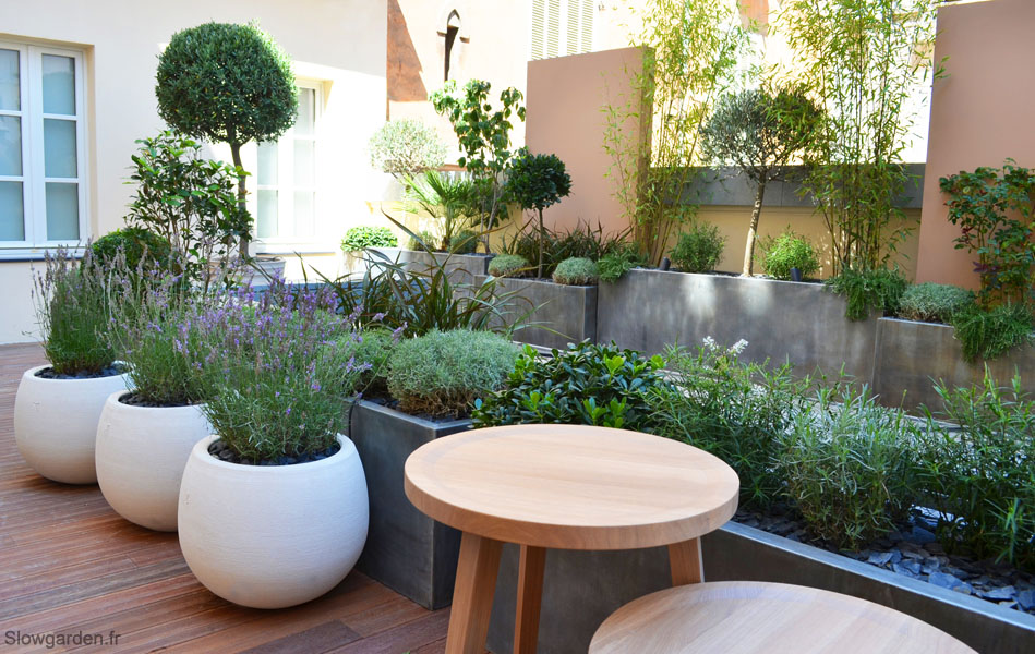 Un showroom de luxe par slowgarden 9 slowgarden design for Photos terrasses et jardins